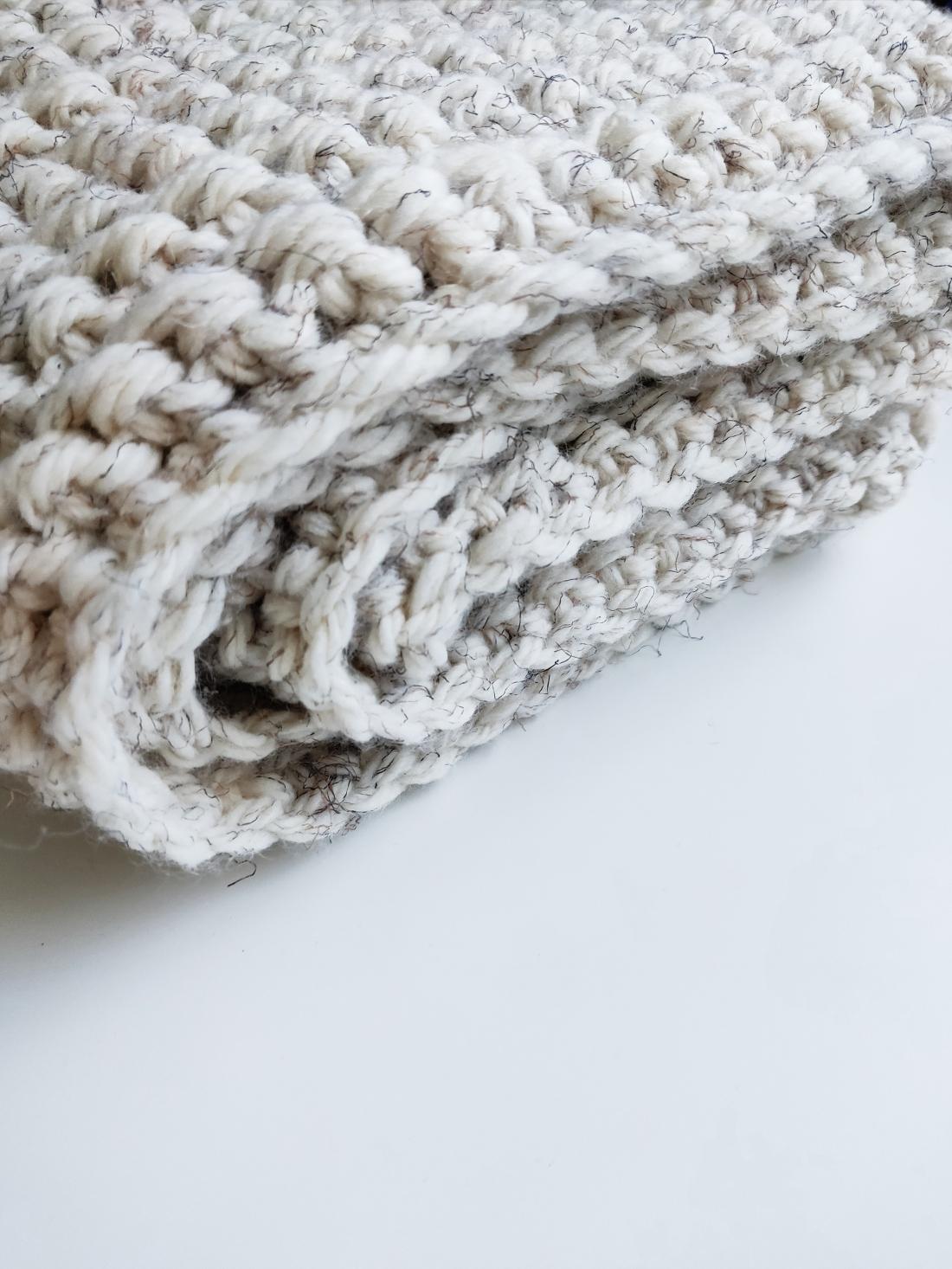 Beige crochet scarf